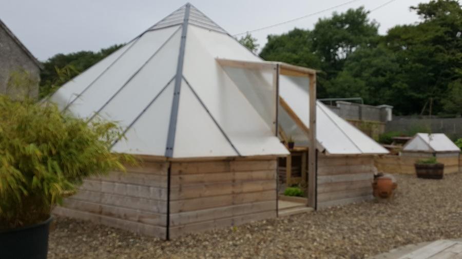 Hothouse yard2